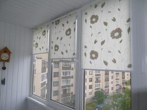 Установка рулонных штор на пластиковые окна в Пензе